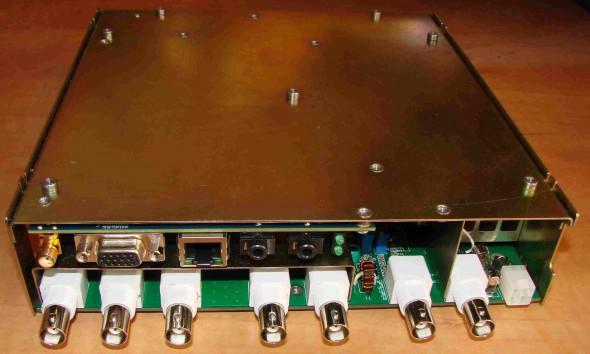 Внешний вид трансивера в сборе, без корпусных деталей. Вид сзади.